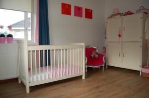Stoere meisjes babykamer