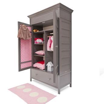 Mooie Kinder Kledingkast.Interieur Inspiratie In Een Babykamer Hoort Een Mooie Kinderkledingkast