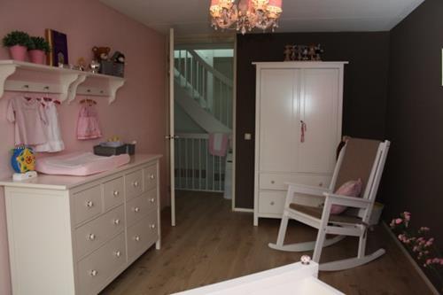 Babykamer Meisje Grijs Roze.Babykamer Roze Muren Interieur Inspiratie
