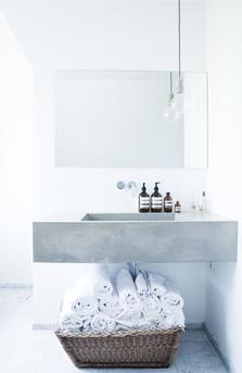 handdoeken in mand