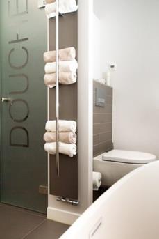 Handdoeken opbergen in de badkamer