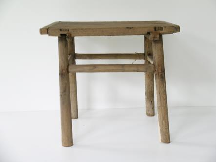 tafeltje oud hout