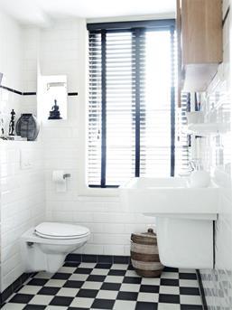 toilet zwart wit geblokte vloer