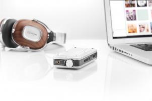 Denons nieuwe DA-10 draagbare hoofdtelefoonversterker met USB-DAC