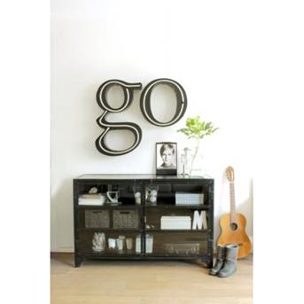 letters dressoir