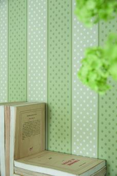 18 - Paint Spot - Custard-Apple