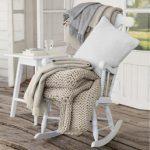 Een schommelstoel voor buiten? Die mag niet ontbreken!
