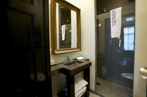 hotel vondel badkamer