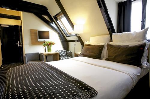 slaapkamer hotel vondel zolder