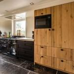 Keuken met eikenhouten fronten, landelijke keuken
