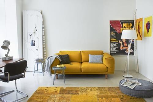 gele woonkamer
