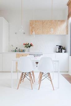 Eames stoel met hout