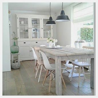 Interieur Inspiratie Eames stoel met hout - Interieur Inspiratie