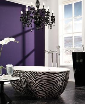 paarse muur badkamer