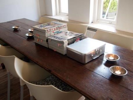 Interieur inspiratie hoe decoreer je nu je eettafel for Interieur tijdschriften nederland
