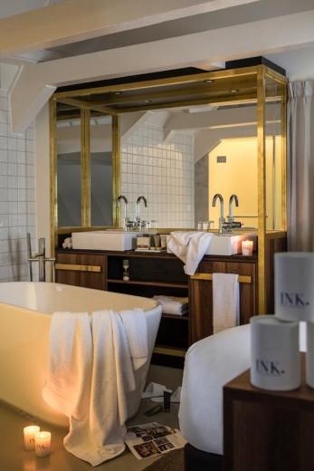 ink hotel badkamer