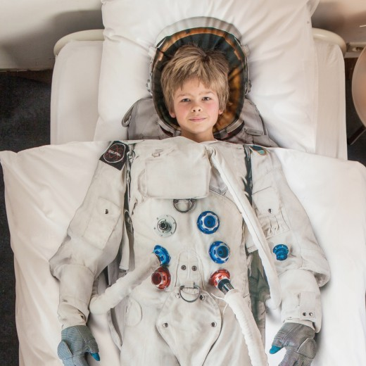 snurkdekbed-astronaut-interieurinspiratie