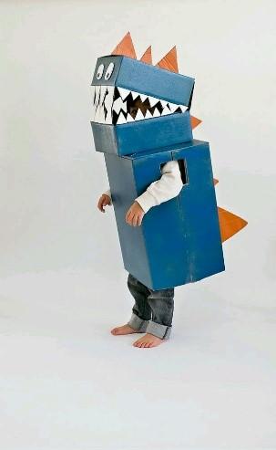 kartonnen robot