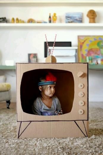 kartonnen tv