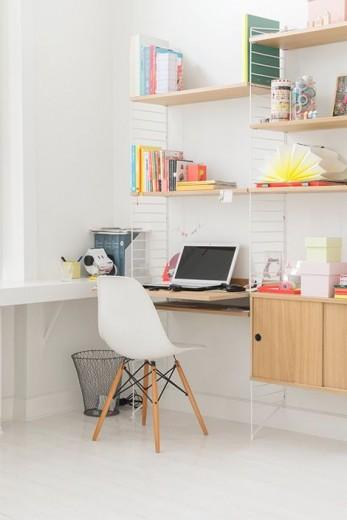 bureau kleurrijk