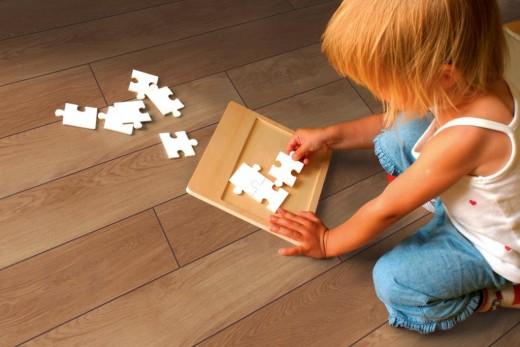 Shutt_89766976_Child-Jigsaw-TWoburnWoods-ParkhurstOak-3.4BrownFS-300dpi klein