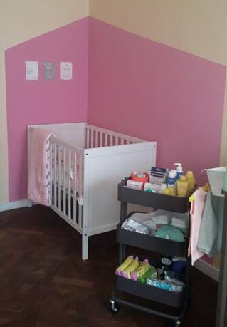 Interieur inspiratie kleine details maken de wereld mooier - Babykamer beige en wit ...