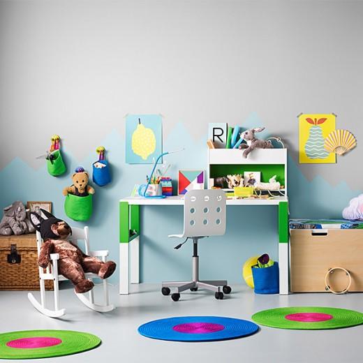 02_IKEA_PAHL_bureau_JULES_bureaustoel_STICKAT_manden_STUVA_opbergcombinatie_a