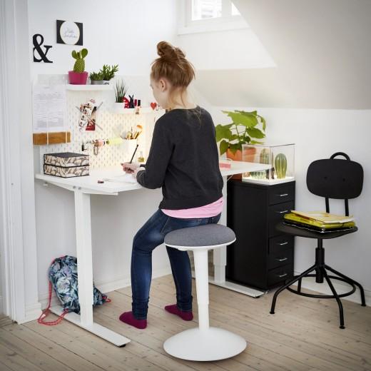 Leren Ikea Bureaustoel.Back To School Met Ikea Nog Beter Leren Met Een Werkplek Die Bij