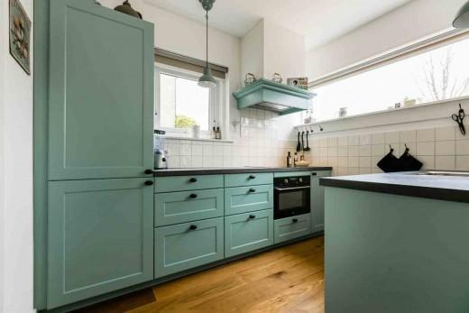 Eenvoudige Schouw Keuken : Eenvoudige schouw keuken keuken met schouw klassieke keuken