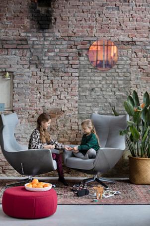 Nosto fauteuil & poef, ontwerp Studio Tom Dissel voor Design on Stock