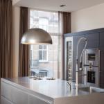Hét nieuwe keukenicoon: Teslion. De eerste recirculatiekap en designlamp in één