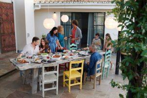 De perfecte zomeravond: gezellig samen tafelen