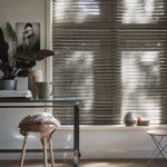 Creëer een gezellig relaxhoekje bij het raam met deze 3 tips