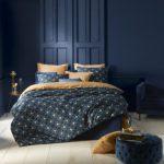 Koninklijke nachtrust in donkerblauw en okergoud