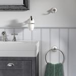 Een landelijk klassieke badkamer met Ivy accessoires van Tiger